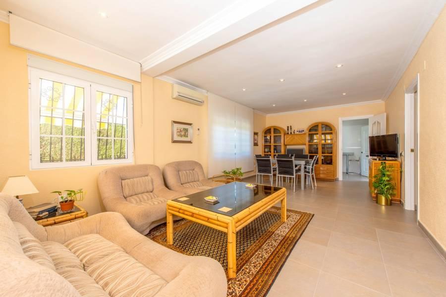 Torrevieja,Alicante,España,3 Bedrooms Bedrooms,2 BathroomsBathrooms,Chalets,40196