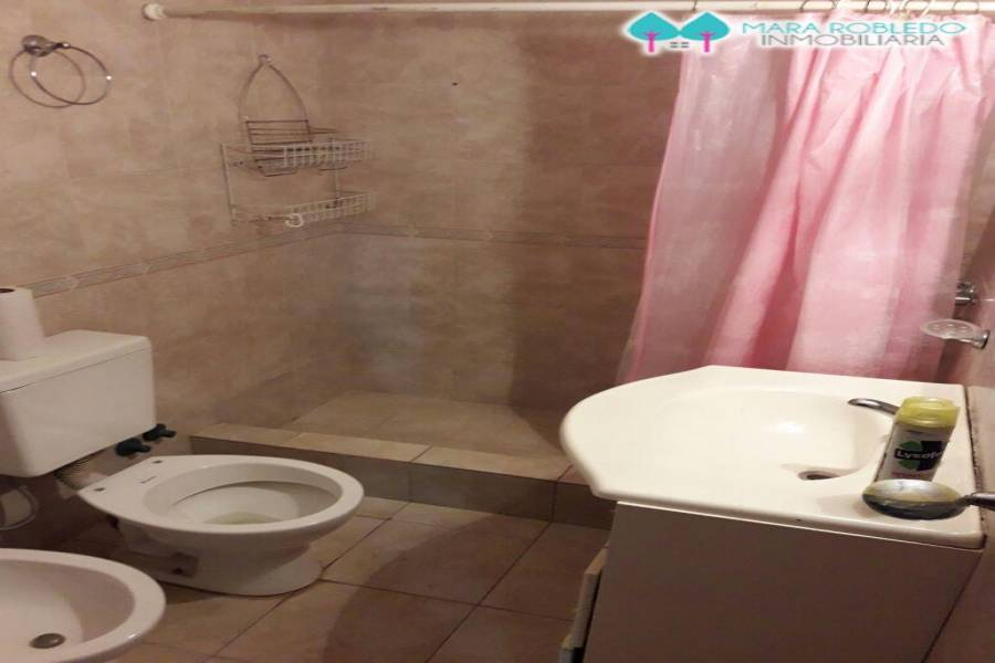 Pinamar,Buenos Aires,Argentina,3 Bedrooms Bedrooms,1 BañoBathrooms,Casas,TALA Y DEL CENTAURO,4464