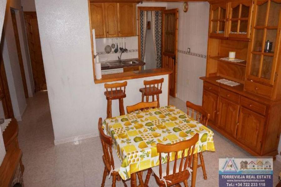 Torrevieja,Alicante,España,4 Bedrooms Bedrooms,2 BathroomsBathrooms,Dúplex,40227