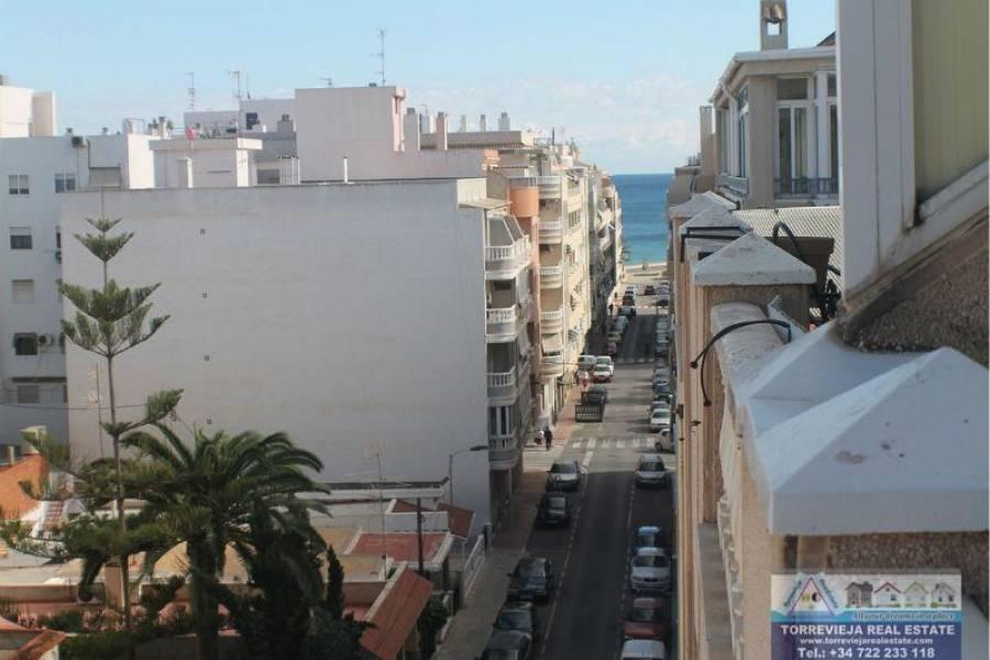 Torrevieja,Alicante,España,3 Bedrooms Bedrooms,1 BañoBathrooms,Atico,40228