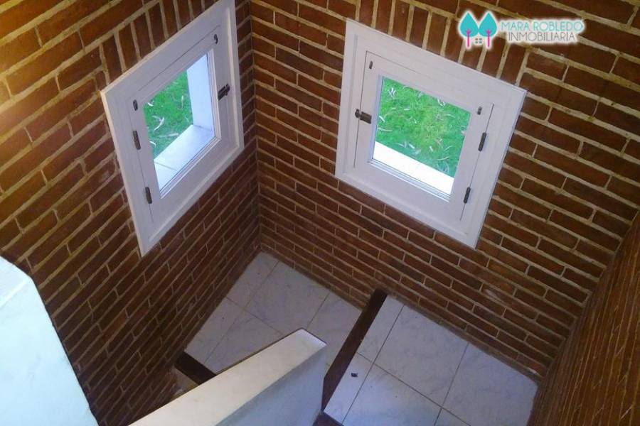 Pinamar,Buenos Aires,Argentina,3 Bedrooms Bedrooms,2 BathroomsBathrooms,Casas,ULISES,4465