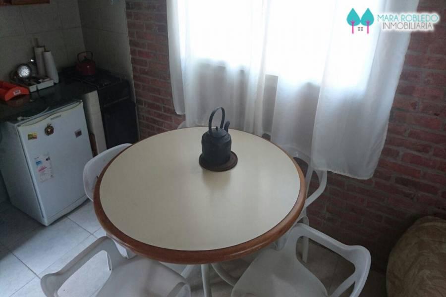 Pinamar,Buenos Aires,Argentina,2 Bedrooms Bedrooms,1 BañoBathrooms,Casas,AV LIBERTADOR,4466