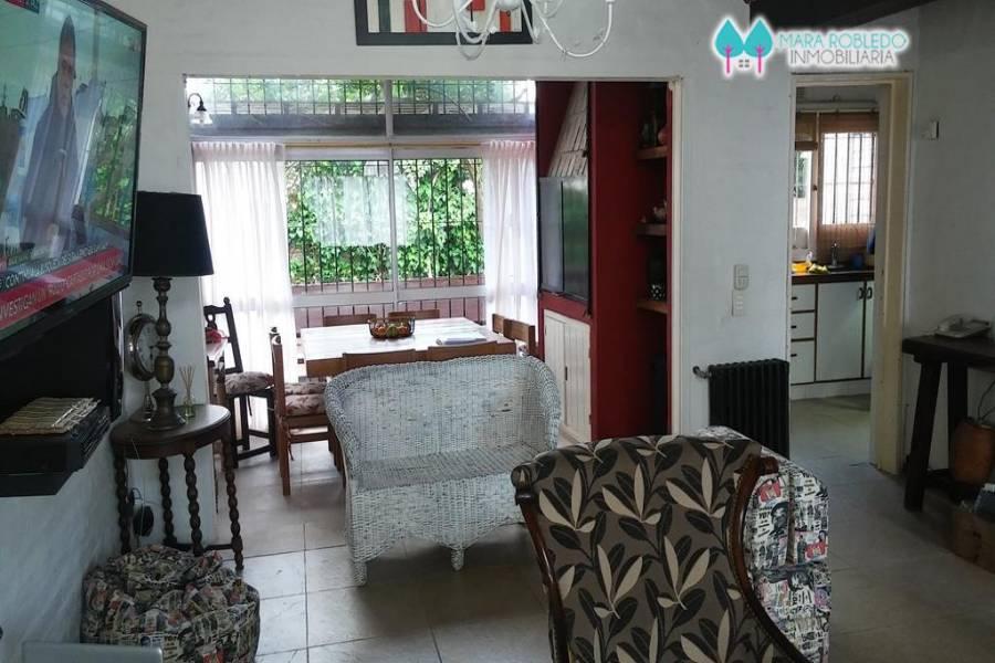Pinamar,Buenos Aires,Argentina,5 Bedrooms Bedrooms,3 BathroomsBathrooms,Casas,AV. LIBERTADOR,4467