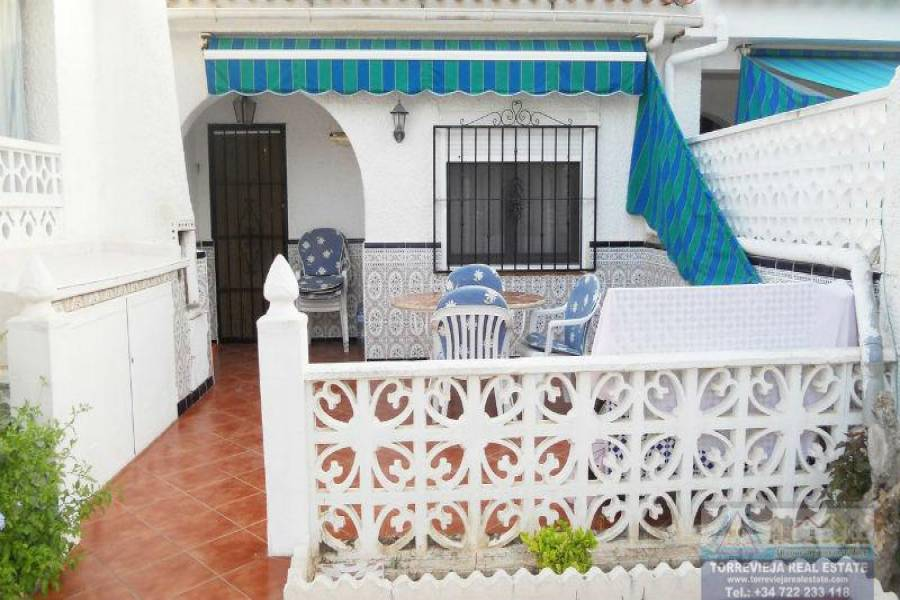 Torrevieja,Alicante,España,2 Bedrooms Bedrooms,1 BañoBathrooms,Bungalow,40254