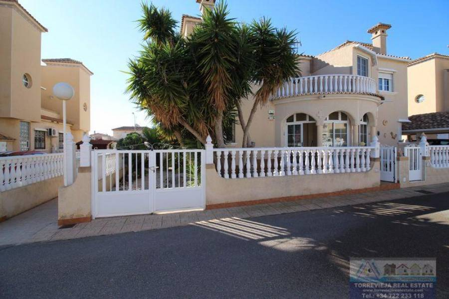 Orihuela Costa,Alicante,España,3 Bedrooms Bedrooms,2 BathroomsBathrooms,Chalets,40280