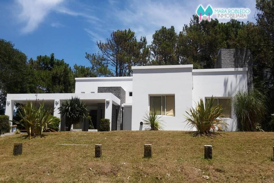 Pinamar,Buenos Aires,Argentina,4 Bedrooms Bedrooms,4 BathroomsBathrooms,Casas,CIRCE,4471