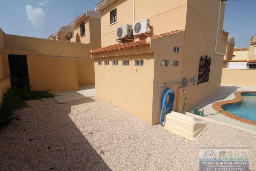 Torrevieja,Alicante,España,2 Bedrooms Bedrooms,2 BathroomsBathrooms,Chalets,40308