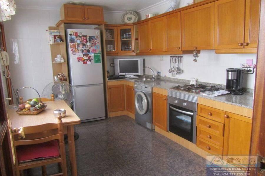 Torrevieja,Alicante,España,4 Bedrooms Bedrooms,2 BathroomsBathrooms,Atico,40311