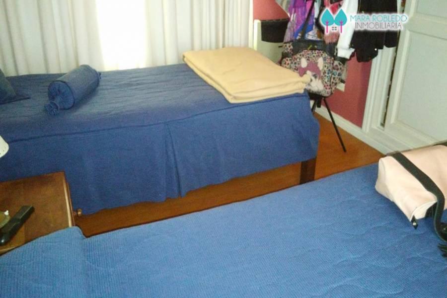 Pinamar,Buenos Aires,Argentina,4 Bedrooms Bedrooms,4 BathroomsBathrooms,Casas,DE LAS 3 CARABELAS,4476