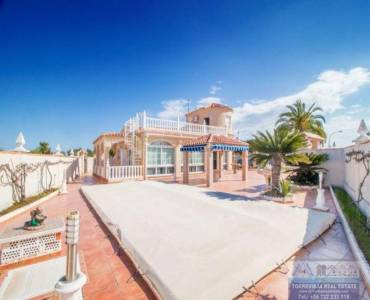 Torrevieja,Alicante,España,3 Bedrooms Bedrooms,3 BathroomsBathrooms,Chalets,40356