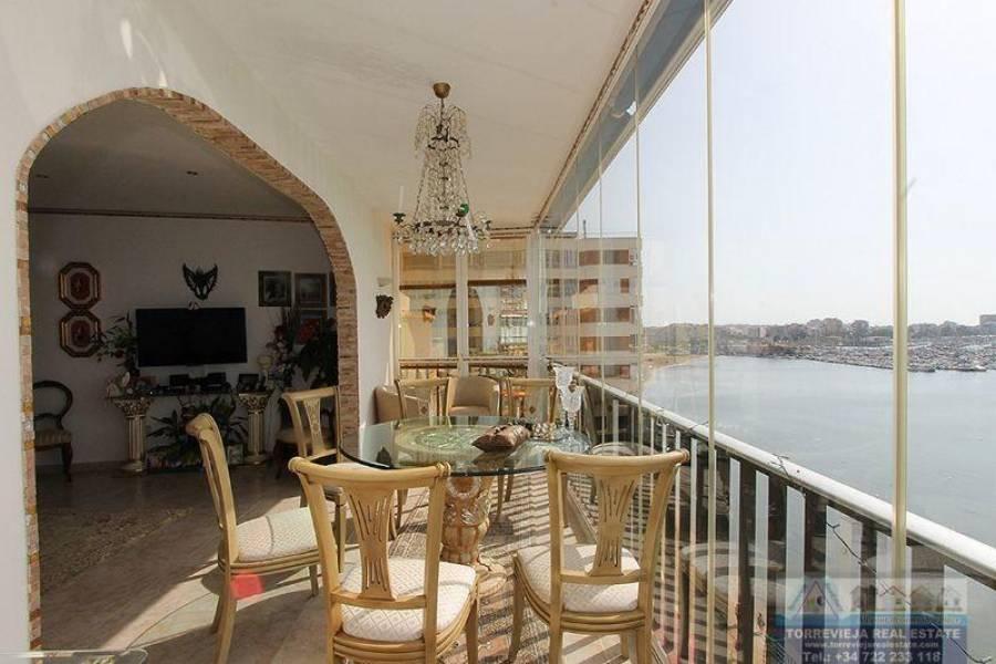 Torrevieja,Alicante,España,3 Bedrooms Bedrooms,2 BathroomsBathrooms,Atico,40359