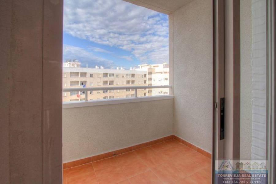 Torrevieja,Alicante,España,2 Bedrooms Bedrooms,1 BañoBathrooms,Atico,40368