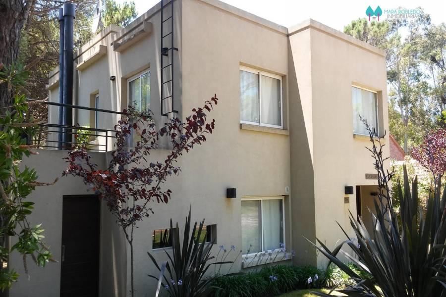 Pinamar,Buenos Aires,Argentina,4 Bedrooms Bedrooms,2 BathroomsBathrooms,Casas,PENELOPE,4487