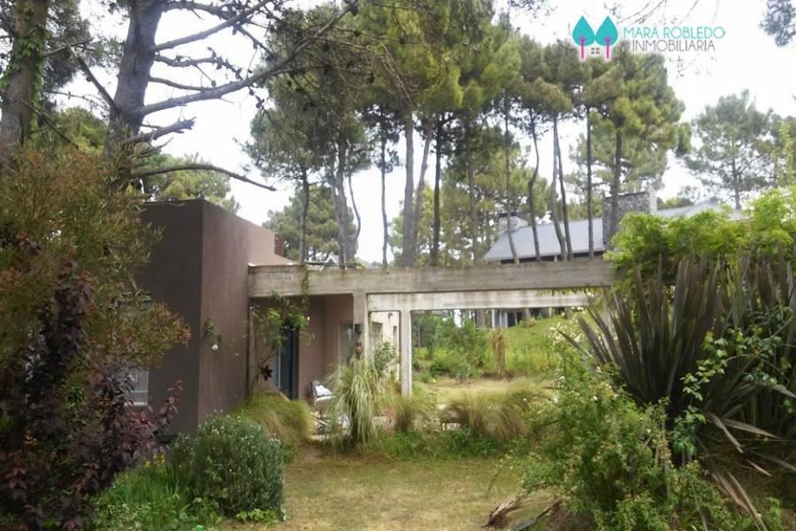 Pinamar,Buenos Aires,Argentina,2 Bedrooms Bedrooms,1 BañoBathrooms,Casas,TITANES ,4489