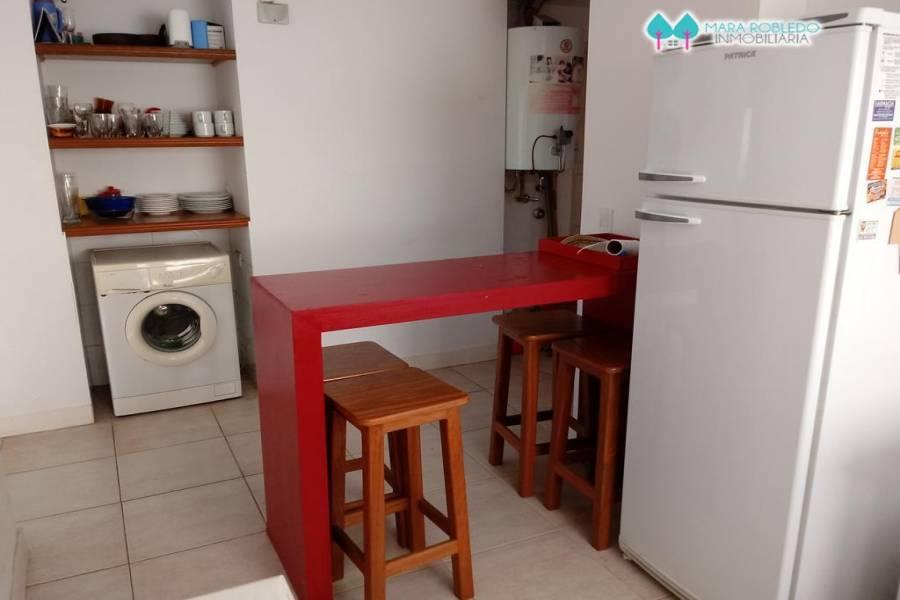 Pinamar,Buenos Aires,Argentina,3 Bedrooms Bedrooms,2 BathroomsBathrooms,Casas,ZORZAL Y ARGOS,4490