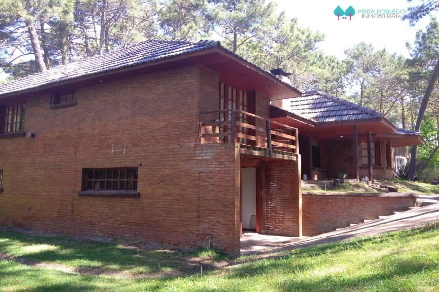 Carilo,Buenos Aires,Argentina,4 Bedrooms Bedrooms,3 BathroomsBathrooms,Casas,CHORLO Y PARAISO,4491