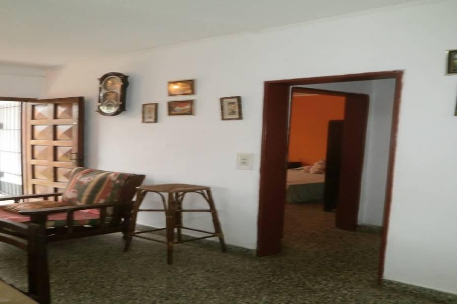 Santa Teresita,Buenos Aires,Argentina,3 Bedrooms Bedrooms,1 BañoBathrooms,Casas,36,40569
