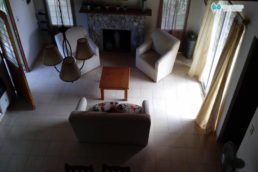 Valeria del Mar,Buenos Aires,Argentina,3 Bedrooms Bedrooms,2 BathroomsBathrooms,Casas,BELFAST,4502