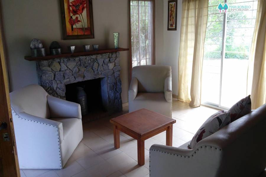 Valeria del Mar,Buenos Aires,Argentina,3 Bedrooms Bedrooms,2 BathroomsBathrooms,Casas,BELFAST,4502