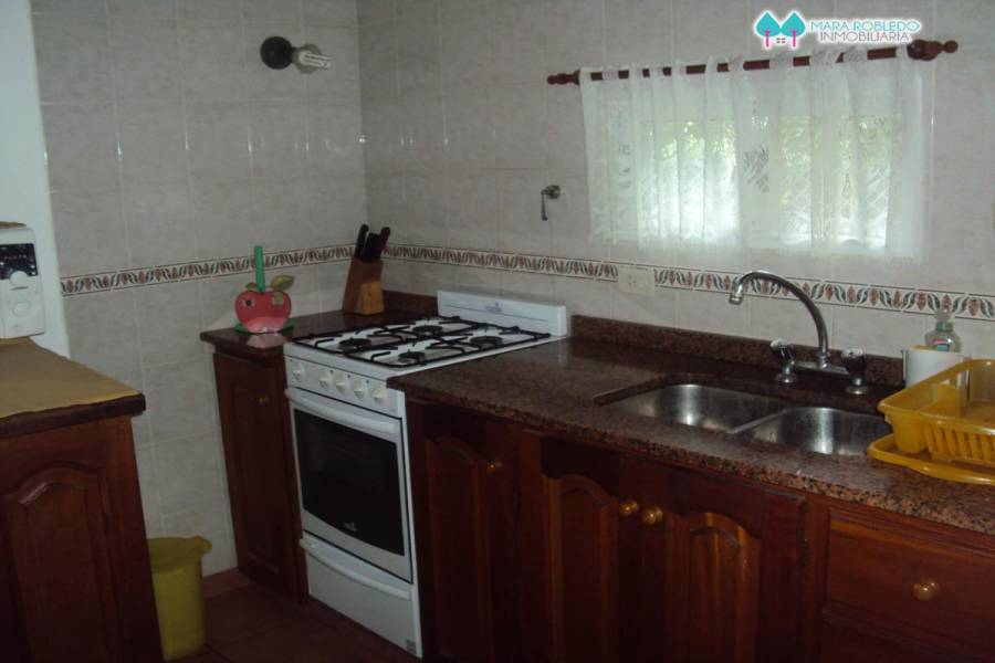 Valeria del Mar,Buenos Aires,Argentina,3 Bedrooms Bedrooms,2 BathroomsBathrooms,Casas,BELFAST,4503