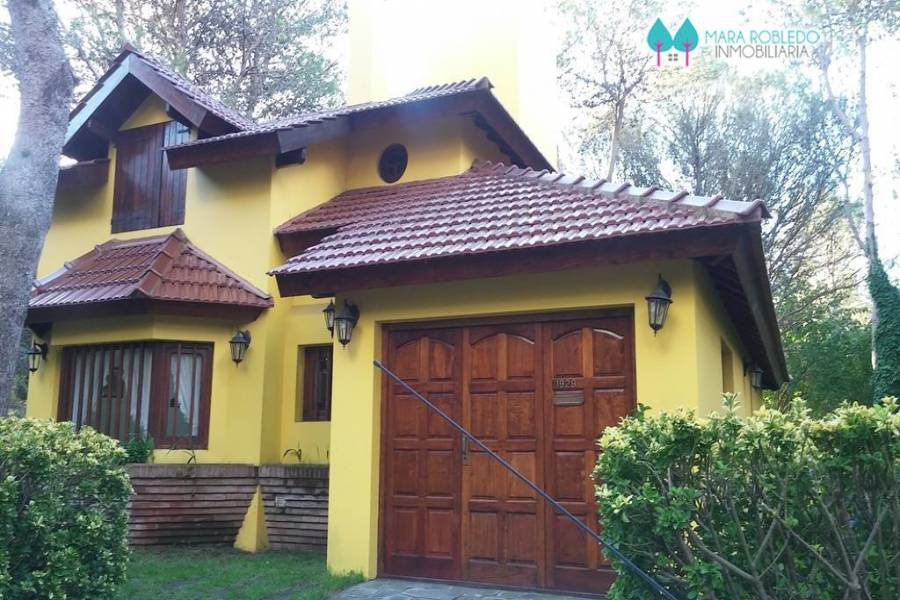 Valeria del Mar,Buenos Aires,Argentina,3 Bedrooms Bedrooms,2 BathroomsBathrooms,Casas,EL CANO,4507