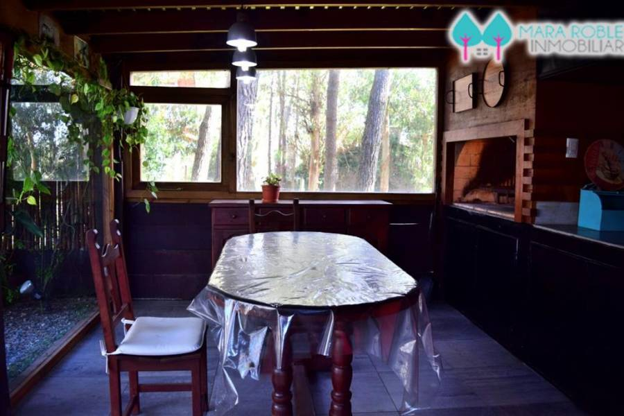 Valeria del Mar,Buenos Aires,Argentina,4 Bedrooms Bedrooms,3 BathroomsBathrooms,Casas,PINZON,4509