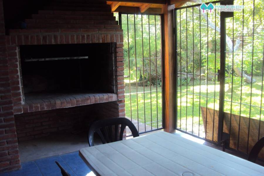 Valeria del Mar,Buenos Aires,Argentina,2 Bedrooms Bedrooms,2 BathroomsBathrooms,Casas,SEAVER,4510