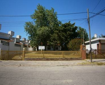 Santa Teresita,Buenos Aires,Argentina,4 Bedrooms Bedrooms,3 BathroomsBathrooms,Casas,46,40710