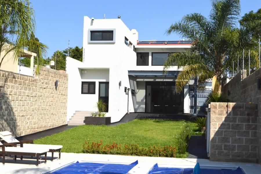 Zapopan, Jalisco, Mexico, 3 Bedrooms Bedrooms, ,5 BathroomsBathrooms,Casas,Venta,Los Robles ,40899