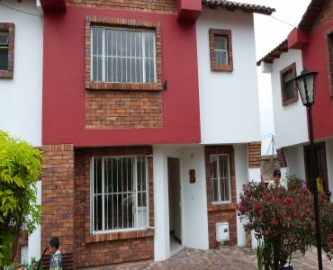 IMPERDIBLE! VER INFO..., 4 Bedrooms Bedrooms, ,4 BathroomsBathrooms,Casas,Alquiler-Arriendo,CALLE 5 ,3,40932