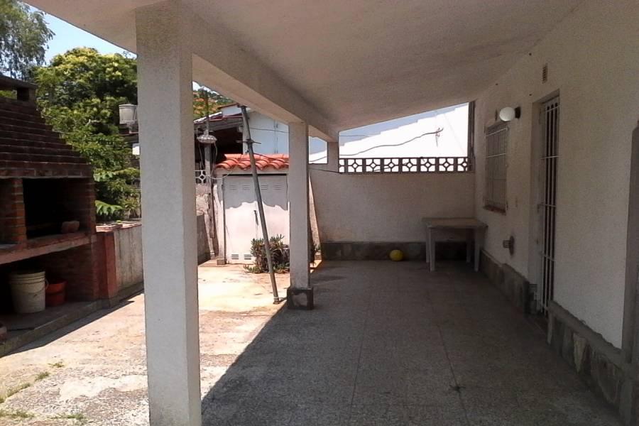 Santa Teresita, Buenos Aires, Argentina, 2 Bedrooms Bedrooms, ,1 BañoBathrooms,Casas,Temporario,9,40938
