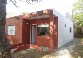 Las Toninas, Buenos Aires, Argentina, 2 Bedrooms Bedrooms, ,1 BañoBathrooms,Casas,Temporario,AVENIDA 7,40940
