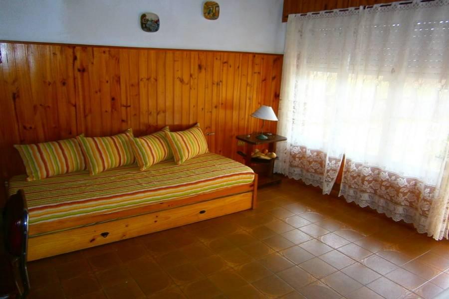 Santa Teresita, Buenos Aires, Argentina, 2 Bedrooms Bedrooms, ,1 BañoBathrooms,Casas,Temporario,40944