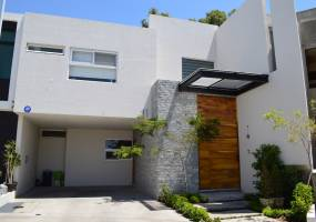 Zapopan, Jalisco, Mexico, 4 Bedrooms Bedrooms, ,5 BathroomsBathrooms,Casas,Venta,Paseo Solares,3,40973