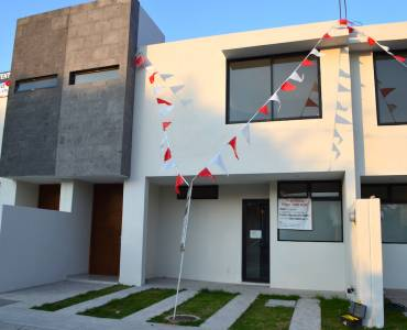 Zapopan, Jalisco, Mexico, 3 Bedrooms Bedrooms, ,2 BathroomsBathrooms,Casas,Venta,Av. Rio Blanco ,40976