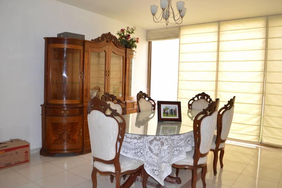 Guadalajara, Jalisco, Mexico, 4 Bedrooms Bedrooms, ,4 BathroomsBathrooms,Casas,Venta,Buenos Aires ,2,40980