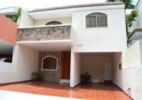 Guadalajara, Jalisco, Mexico, 4 Bedrooms Bedrooms, ,4 BathroomsBathrooms,Casas,Venta,Buenos Aires ,2,40980