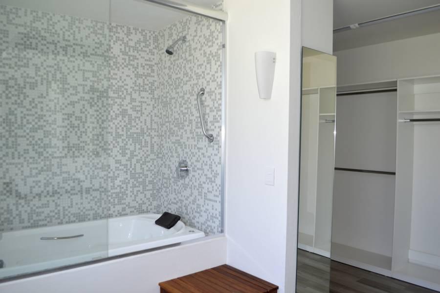Zapopan, Jalisco, Mexico, 3 Bedrooms Bedrooms, ,4 BathroomsBathrooms,Casas,Venta,Ramón Corona ,2,40982