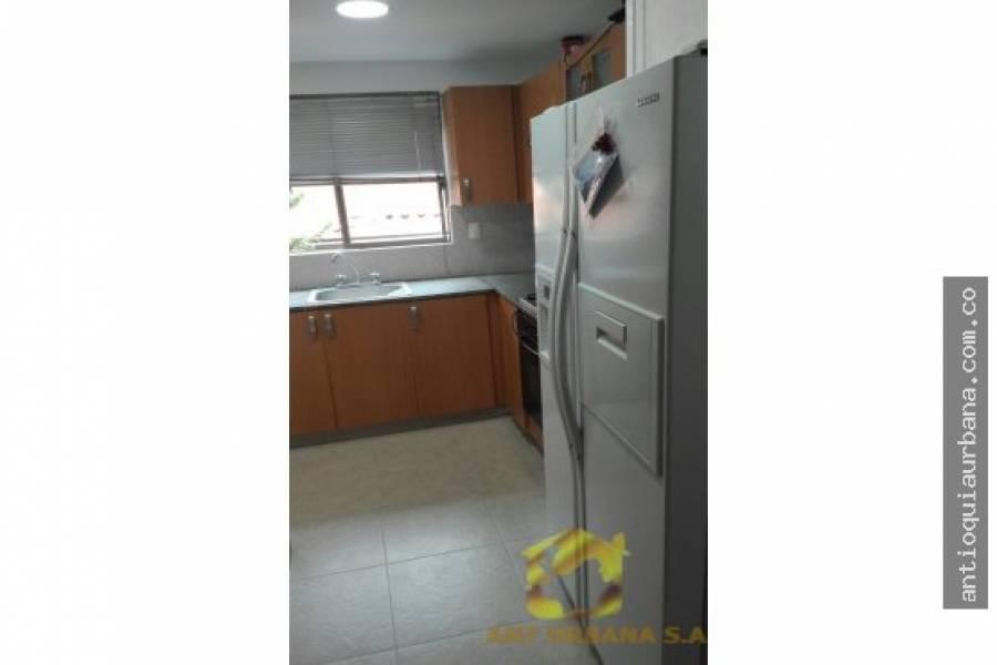 Envigado, Antioquia, Colombia, 3 Bedrooms Bedrooms, ,4 BathroomsBathrooms,Casas,Alquiler-Arriendo,CALLE 7,41019