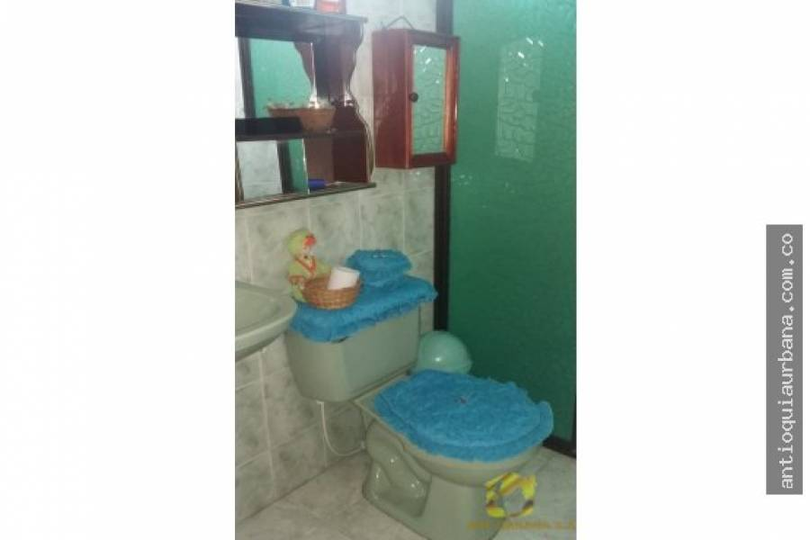 Medellin, Antioquia, Colombia, 3 Bedrooms Bedrooms, ,2 BathroomsBathrooms,Apartamentos,Venta,CARRERA 79,41078