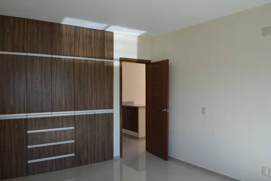 Zapopan, Jalisco, Mexico, 3 Bedrooms Bedrooms, ,2 BathroomsBathrooms,Casas,Venta,Valle Imperial,41181