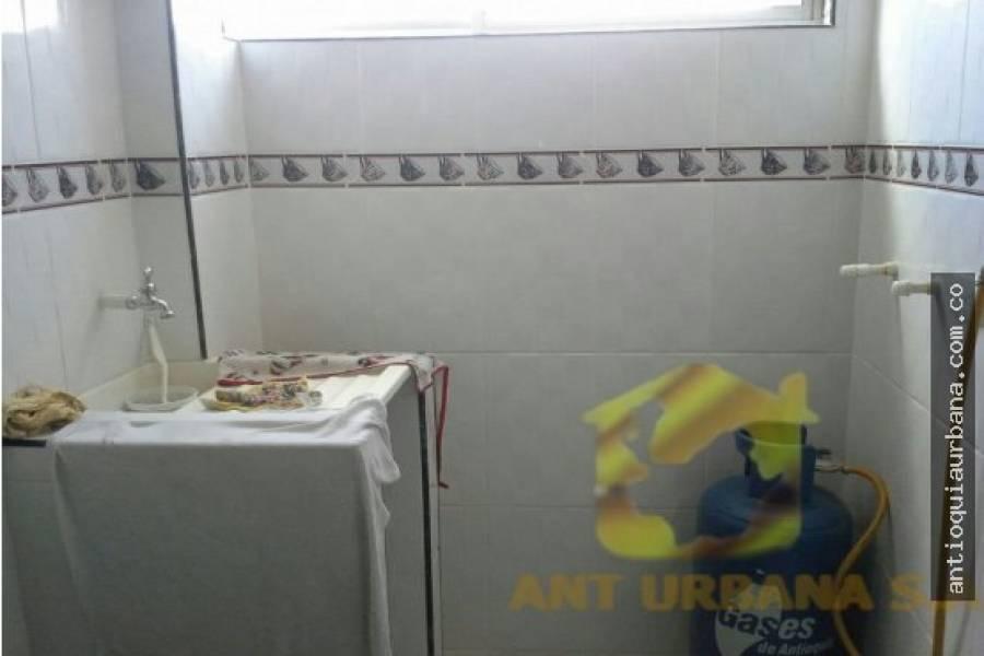 Medellin, Antioquia, Colombia, 3 Bedrooms Bedrooms, ,2 BathroomsBathrooms,Apartamentos,Venta,CALLE49 CARRERA 35 SEÑORA SAGRADO CORAZON,41185