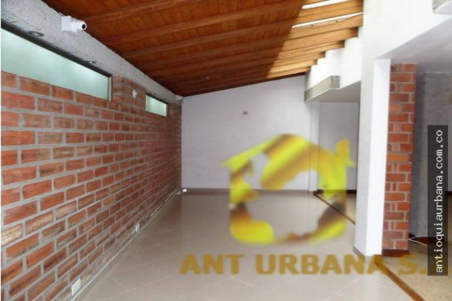 Envigado, Antioquia, Colombia, 3 Bedrooms Bedrooms, ,3 BathroomsBathrooms,Casas,Venta,CALLE 36D SUR,41230