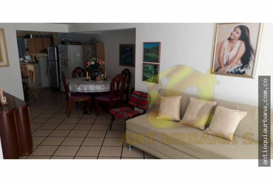 Sabaneta, Antioquia, Colombia, 5 Bedrooms Bedrooms, ,2 BathroomsBathrooms,Casas,Venta,CALLE 77 SUR ENTRE 76 Y 78,41232