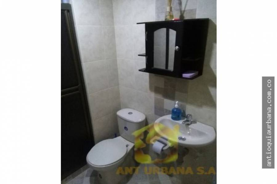 Envigado, Antioquia, Colombia, 3 Bedrooms Bedrooms, ,2 BathroomsBathrooms,Casas,Venta,39D SUR,41233