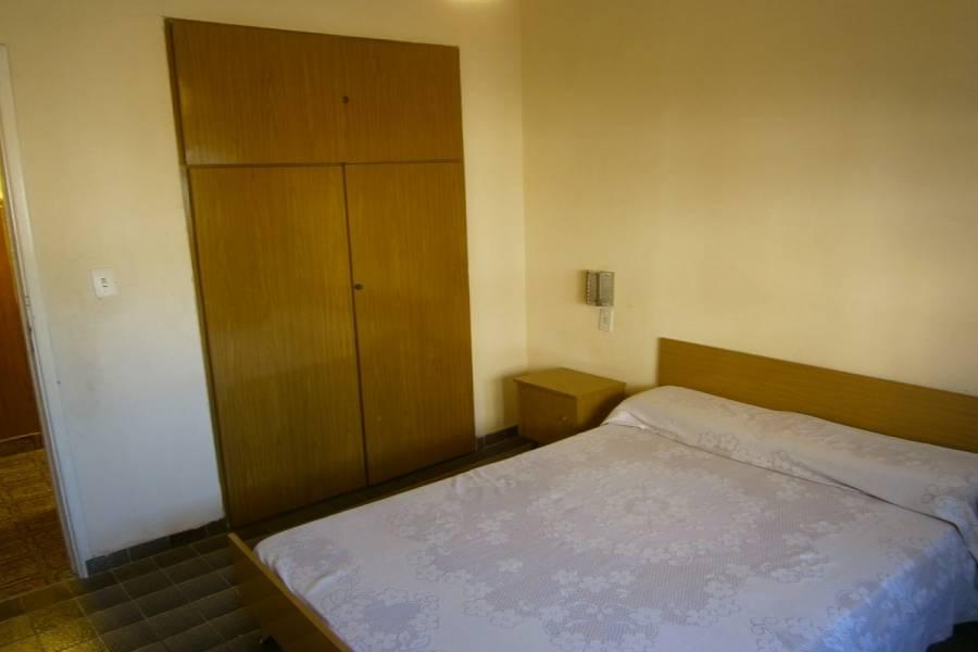 Santa Teresita, Buenos Aires, Argentina, 2 Bedrooms Bedrooms, ,1 BañoBathrooms,PH Tipo Casa,Temporario,4,41239