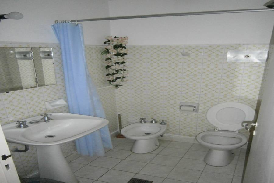 Santa Teresita, Buenos Aires, Argentina, 1 Dormitorio Bedrooms, ,1 BañoBathrooms,PH Tipo Casa,Temporario,4 ,41241