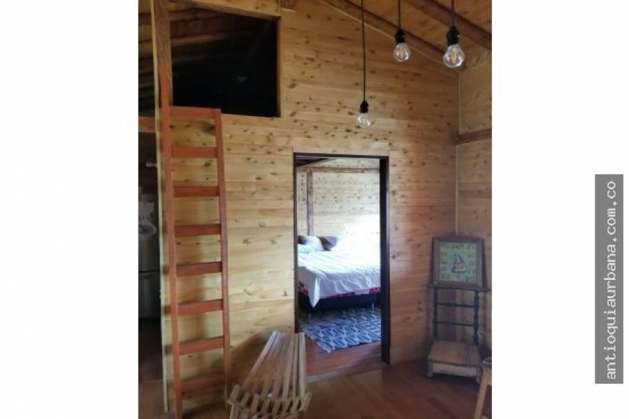 Envigado, Antioquia, Colombia, 3 Bedrooms Bedrooms, ,1 BañoBathrooms,Casas,Venta,santa elena,41244