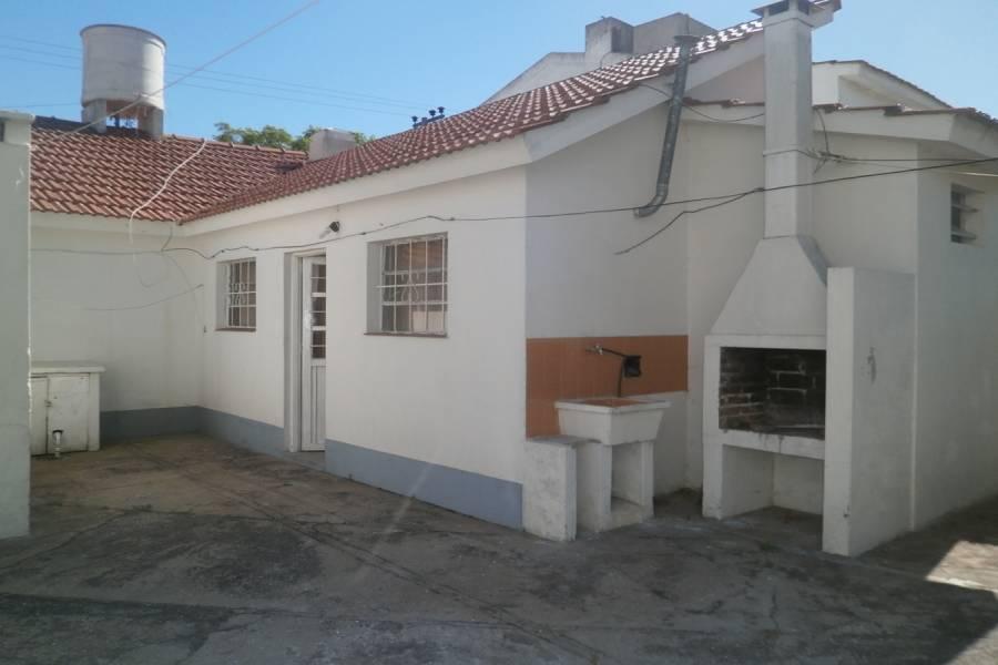 Santa Teresita, Buenos Aires, Argentina, 1 Dormitorio Bedrooms, ,1 BañoBathrooms,PH Tipo Casa,Temporario,30,41245