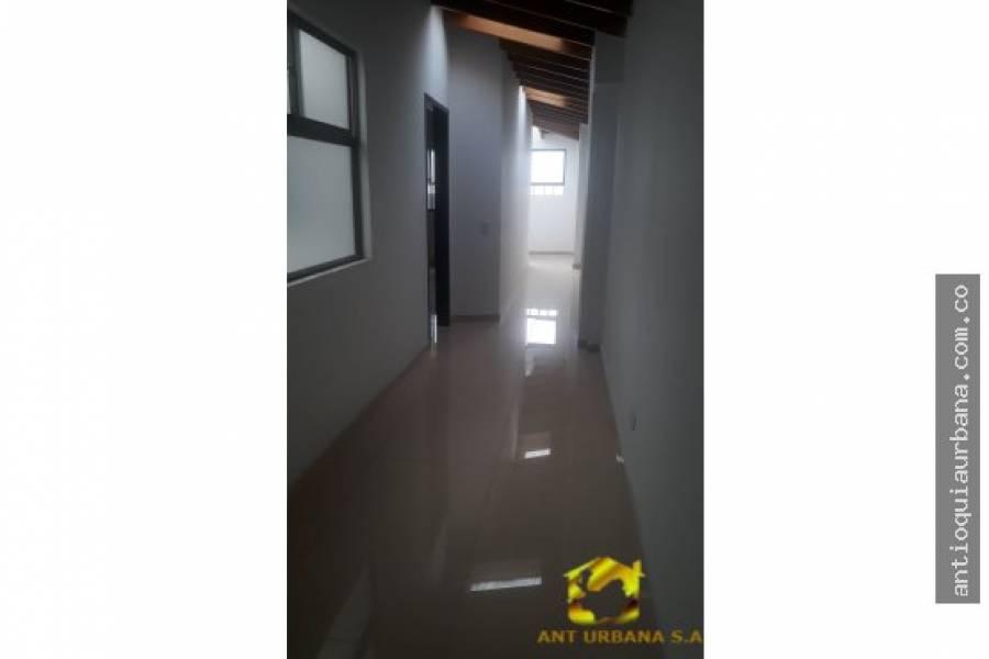 Envigado, Antioquia, Colombia, 6 Bedrooms Bedrooms, ,4 BathroomsBathrooms,Apartamentos,Venta,38SUR,41248